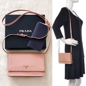 👛Authentic PRADA Saffiano Wallet Crossbody Bag